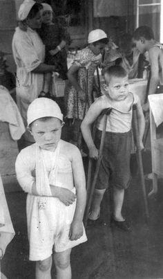 Раненые дети в ленинградских госпиталях