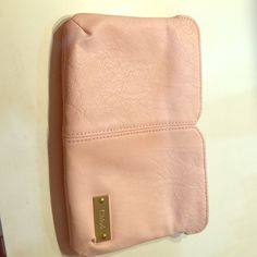 Makeup bag Brand new never used soft pink Chole makeup bag Chole  Bags Cosmetic Bags & Cases