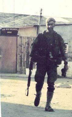 Vietnam war era pics of special units, LRRPS, MACV SOG,AATV,SEALS,FFL,GREEN BERETS.