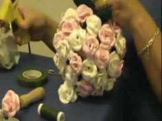 Como hacer un topiario con rosas en goma eva
