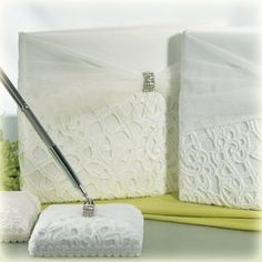 http://www.trouwartikelen.nl/gastenboek-bridal-tapestry-ivoor.html