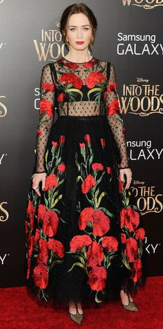 Look of the Day - December 9, 2014 - Emily Blunt in Dolce & Gabbana from #InStyle