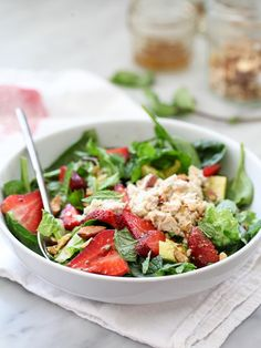 Banish boring office lunches with this Strawberry and Avocado with Tuna Salad from Foodie Crush! Savory Salads, Healthy Salads, Healthy Cooking, Healthy Eating, Cooking Recipes, Healthy Recipes, Side Dish Recipes, Lunch Recipes, Salad Recipes