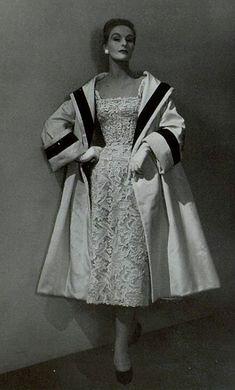 Resultado de imagen de moda dior 1950