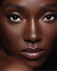 Beautiful black women, beauty и dark beauty. Beautiful Dark Skinned Women, Beautiful Black Girl, Dark Skin Makeup, Dark Skin Beauty, Natural Makeup, Black Girl Aesthetic, Dark Skin Girls, Beauty Shoot, Foto Art