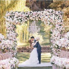 Eternal Bliss 🌸🌸🌸 #moniquelhuillier #moniquelhuillier #weddingdress #bride #wedding #realbride #bridal