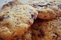 Les cookies au chocolat sont un peu la base de la base du dessert réconfortant et chacun a sa recette fétiche. Celle de Ponyo contient un zeste d'orange, et ne l'a jamais déçue !