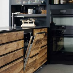 Supermat kjøkken med trefronter | Få inspirasjon til det nye kjøkken Van Interior, Interior Colors, Schmidt, Colorful Interiors, Wine Rack, Storage, Kitchen Stuff, Furniture, Design