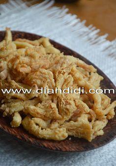 Diah Didi's Kitchen: Jamur Krispi Praktis Asian Appetizers, Asian Snacks, A Food, Good Food, Food And Drink, Baby Food Recipes, Cooking Recipes, Diah Didi Kitchen, Malay Food