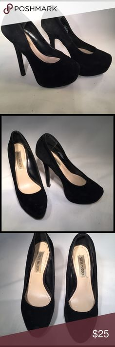 "Steve Madden Babylonn Black Suede Pumps size 5.5 Cute Suede black pumps from Steve Madden. Staple in any wardrobe! Size is 5.5 but fits more like a 6. The Suede is nice and soft but a little matted in certain areas. Quite tall due to Its heel height; 5 1/2"" and a 1 1/2"" platform! Perfect for any petite girl who just wants to have some height for a night! Steve Madden Shoes Platforms"