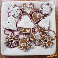 Zdobení perníčků postup ukázky recept Gingerbread, Sugar, Cookies, Holiday Decor, Christmas, Inspiration, Food, Random, Google
