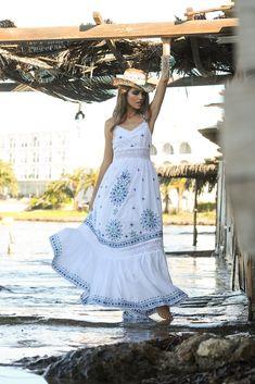 Sarayu Dress, vestido largo boho de ensueño. Hippy Chic, Boho Chic, Ibiza, Spring Summer, Dresses, Hippie Dresses, Hand Embroidery, Long Dresses, Vestidos