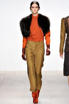 Todd Lynn | Fall 2012 Ready-to-Wear Collection | Vogue Runway