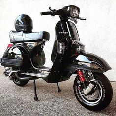 from - back to black. owner : by pxbandoeng Vespa Ape, Piaggio Vespa, Lambretta Scooter, Scooter Motorcycle, E Scooter, Vespa Scooters, Vespa Excel, Vespa Px 200, Lml Star