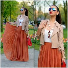 I like this pleated maxi skirt outfit.