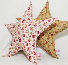 étoile coussin doudou / star cushion plush toy