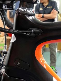 ITALIAN CYCLING JOURNAL: New Pinarello Dogma, 65.1 Think 2