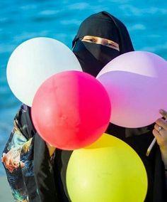 Girlz Dpz, Niqab Fashion, Islamic Girl, Thing 1, Real Beauty, Dream Dress, Muslim, Floral, Girls