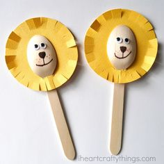 We took a break from Valentine's Day crafts this week for some good ol' animal fun! This adorable wooden spoon lion craft is so simple to make. It's perfect for those days when your kids are feeling crafty but you don't want to create something too messy. Since it doesn't require any painting at all, …