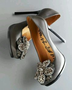 Everyone is starting to say pretty shoes, but they can actually say cool,awesome or something like that,because the usual things like pretty shoes is starting to get boring!!!!