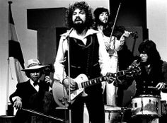 ELO with Jeff Lynne front & center as usual. Love his voice and he's so talented