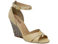 Marca de calçados Stéphanie apresenta novos modelos