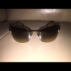 Authentic gucci sunglasses VERY GENTLY USED NO DAMAGE No trades. Purchased from luxury consignment still have receipt and authenticication certificate no trades Gucci Accessories Sunglasses
