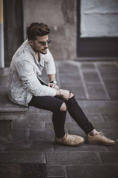 RIPPED IS THE NEW CASUAL - NEW TREND FOR SPRING SUMMER
