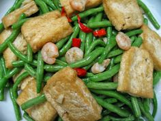 Sumptuous Flavours: Stir-fried French Beans With Tofu & Shrimps 四季豆炒虾 Tofu Dishes, Rice Bowls, Piece Of Cakes, Kitchen Tips, Wok, Stir Fry, Green Beans, Shrimp, Fries