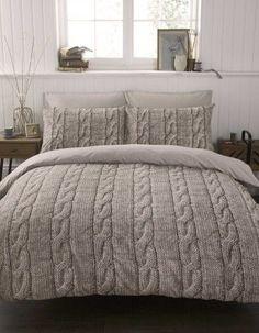 onder dit deken krijg je het lekker warm <3