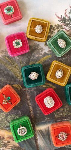 Love vintage engagement rings?
