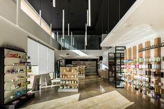 Proyecto de diseño, mobiliario y reforma de la farmacia J.J. Sánchez, entra y mira las imágenes