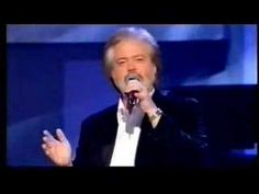 Donny Bringing on the Osmonds to the shock of the Audience.Donny was my first crush still love him.Please check out my website thanks. www.photopix.co.nz
