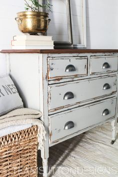 How to Get This Rustic Chippy Paint Finish - with Fusion Mineral Paint (color - Bedford) and shellac. Great post with lots of info on why this process works on chipping paint - Team Sutton Designs Refurbished Furniture, Farmhouse Furniture, Repurposed Furniture, Shabby Chic Furniture, Rustic Furniture, Furniture Makeover, Home Furniture, Milk Paint Furniture, Furniture Plans