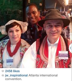 Atlanta International Convention loading delegates on the bud at the hotel, took a pic with some awesome friends from Croatia, it was pouring rain and I'm still soaked four hours later, but it was worth it!  ♥•.¸¸.•♥   JW.org has the Bible and bible based study aids to read, watch, listen and download in 300+ (sign included) languages. They also offer free in home bible studies.  All at no charge.