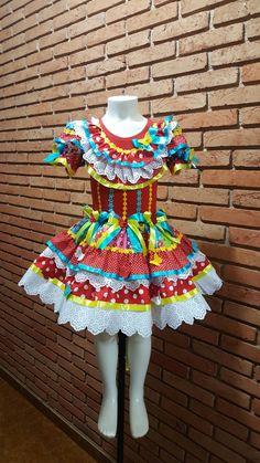vestido de festa juninas Sewing Projects For Kids, Festival Dress, Dance Outfits, Lolita Fashion, Kids Wear, Big Kids, Baby Dress, Cute Girls, Designer Dresses