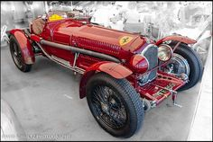 1932 Alfa Romeo Tipo B The headlights turned in are hilarious looking, although I know why they are like that
