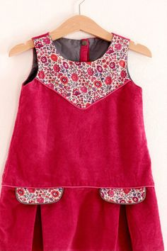Solid w/ print jumper Cord and some quilting cotton? Frocks For Girls, Kids Frocks, Dresses Kids Girl, Little Girl Outfits, Little Girl Dresses, Toddler Dress, Toddler Outfits, Baby Dress, Kids Outfits