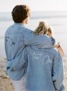 These rock n' roll brides covered their wedding dress with a cool leather wedding jacket. Browse 16 custom wedding jackets to top your wedding dress Denim Wedding, Wedding Jacket, Dress Wedding, Bouquet Wedding, Gold Wedding, Wedding Bride, Wedding Flowers, Bleached Denim Jacket, Painted Denim Jacket
