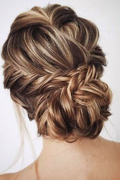 These Gorgeous Updo Hairstyle That You'll Love To Try! Whether a classic chignon, textured updo or a chic wedding updo with a beautiful details. These wedding updos are perfect for any bride looking for a unique wedding hairstyles…