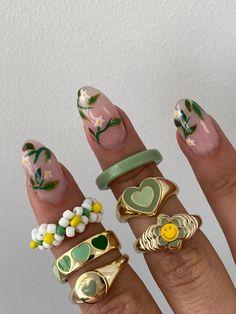 Nail Jewelry, Cute Jewelry, Jewlery, Trendy Jewelry, Gold Jewellery, Jewelry Accessories, Fashion Jewelry, Cute Acrylic Nails, Cute Nails