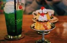 Retro Cafe, Eat Pray Love, Cream Soda, Food Design, No Cook Meals, Parfait, Food Styling, Sweets, Snacks