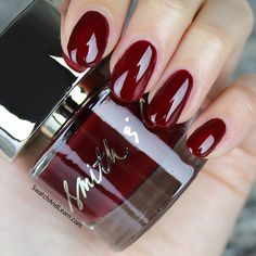 Smith & Cult Lovers Creep: Sneak this bordeaux onto your nails!
