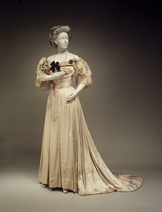 1905 Evening Dress by Jean-Philippe Worth, via The Metropolitan Museum of Art.