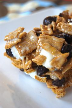 Golden Graham S'more bars... I am such a big fan of S'mores so I am going to have to try these!