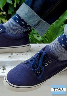 A new lace-up style from TOMS Shoes that also gives back. Men, meet the Valdez.