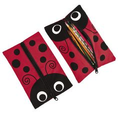 Ladybug Pencil Case.  These super cute pencil cases are just the thing for your next ladybug party, or use a a gift for someone special!  24.1 cm x 15.9 cm.