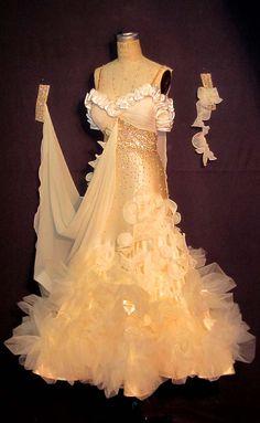 B08798  Heaven on Earth  Victorian dress for Maegan