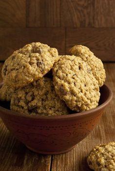 У каждого есть свой любимый, проверенный рецепт овсяного печенья, и я не исключение. Овсяное печенье вообще благодатная почва для экспериментов, с чем его только не делают! Начиная от традиционного изюма, орехов, шоколада, заканчивая кокосовой стружкой, арахисовым маслом и прочее, прочее... Я с…