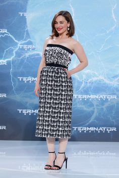 Emilia Clarke stunned at the premiere of Terminator: Genisys! The hot Game of Thrones star definitely doesn't need her dragons to be fierce.